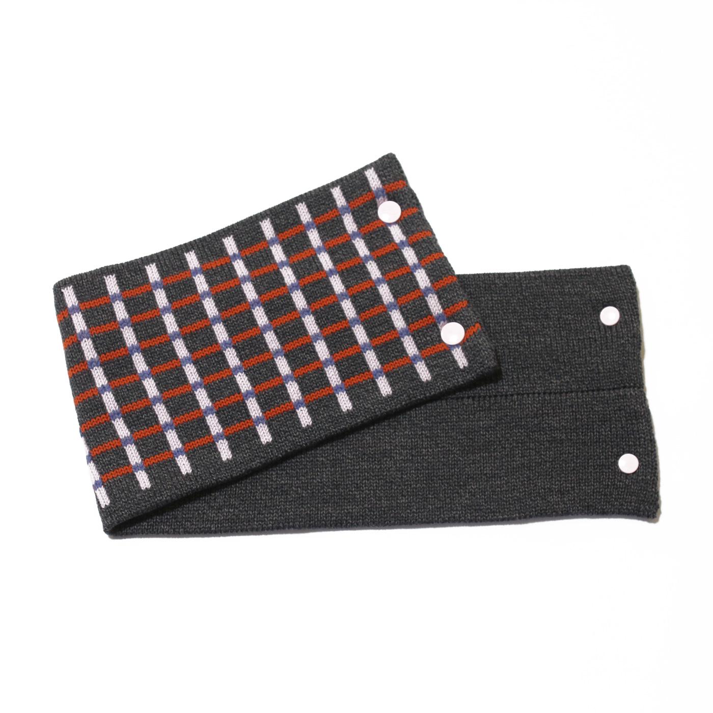 sciarpa con bottoni grigio rosa arancio azzurro