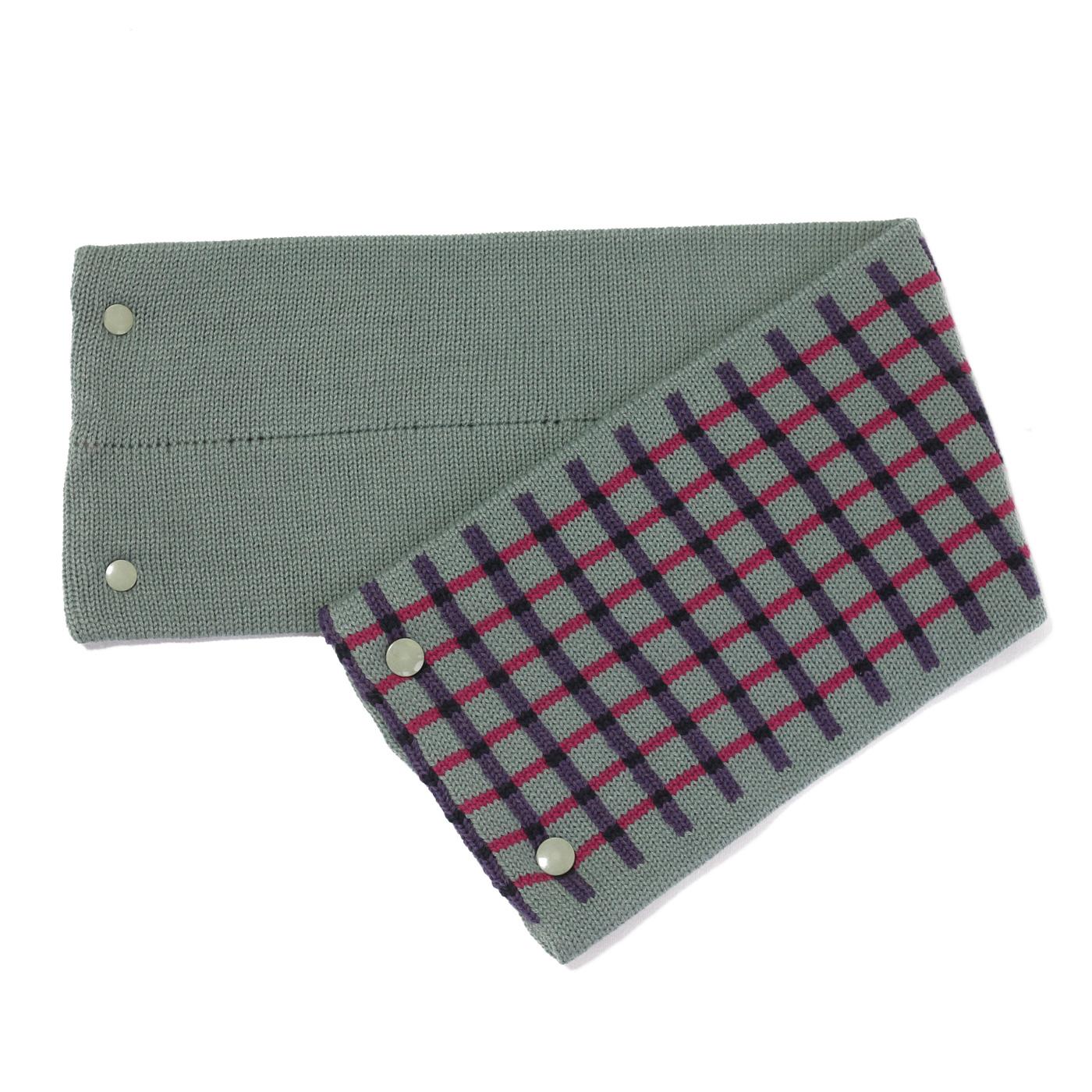 sciarpa con bottoni verde viola fuxia nero